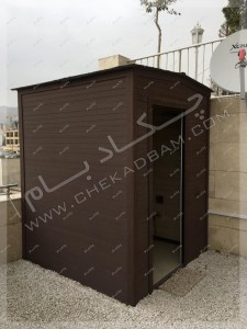 پوشش چوب پلاستیک روی دیوار سرویس بهداشتی روی پشت بام