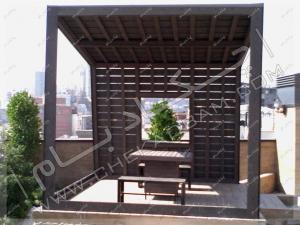 آلاچیق چوبی فلزی روی پشت بام سبز دادمان