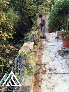 تزیین تراس کوچک چیذر تهران فلاورباکس چکاد بام گلدان سبز طراحی بالکن قبل از اجرا