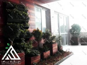 تراس سبز تهران هروی فلاورباکس و گلدان چوبی بالکن کوچک سبز